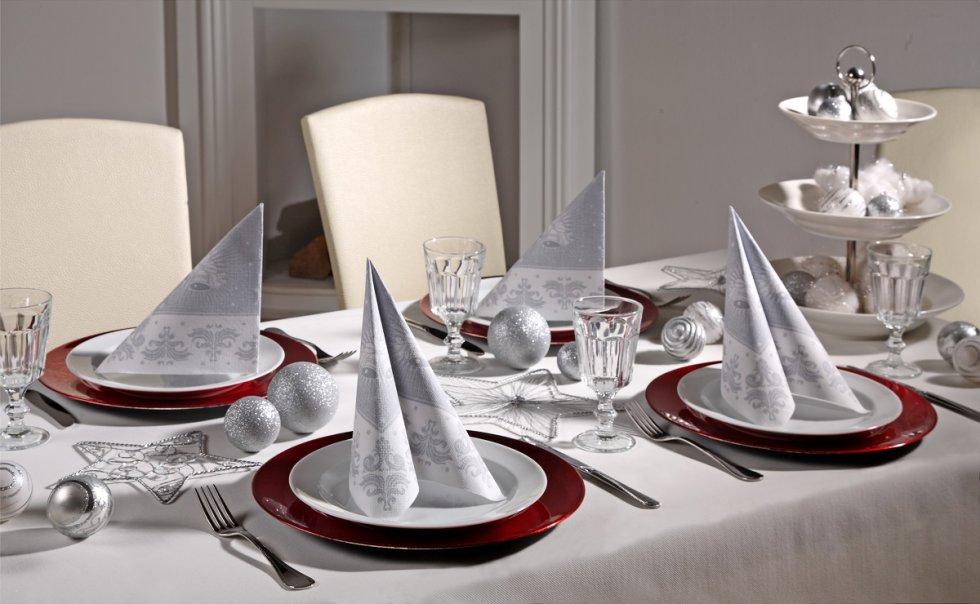 Božićno uređenje restorana