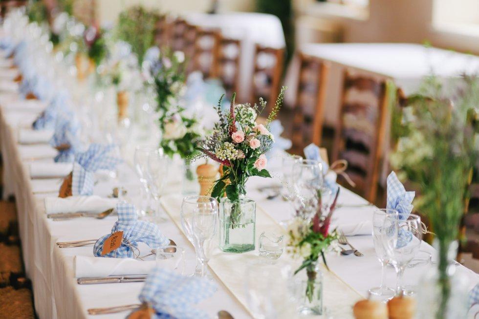 Dekoracija svadbenog stola eco-friendly proizvodima